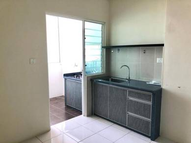Straits Garden Residence 989sf Renovated Furnished Jelutong CALL ME !!