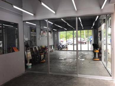 Ground floor shop for rent