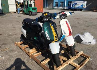 Vespa sprint 150 ABS Racing 60's EDITION LIMITED