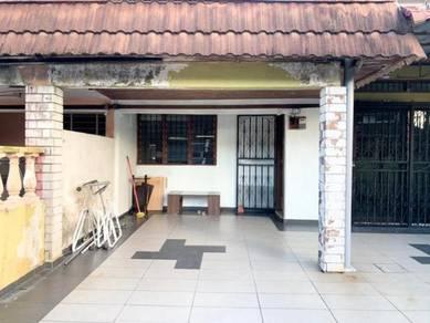 Rumah di Bandar Baru Uda 4 bilik untuk disewakan / Tampoi / Kempas
