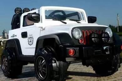 White big childrend eletrcik jeep