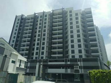 New Condo Residence Good Location 3 Car-Park Move In Condition