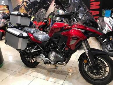 Benelli TRK502 SP2 ~ With Side Top Box Aluminium