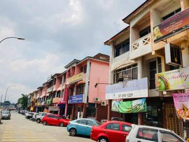 Taman Senai Utama Kulai 3 Storey Terrace Shop (End Lot)