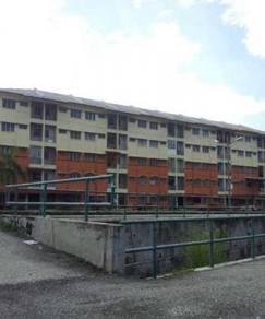 Corner 2rd Floor Flat Panaroma Lapangan Perdana opposite TF