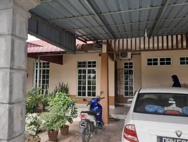 Teres Di Padang Mokkan, Peringat, Kota Bharu, Kelantan