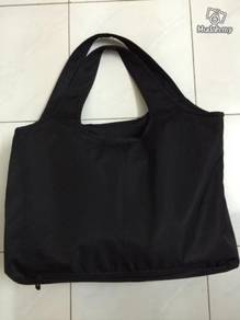 Black Colour V5 Hand Bag / Beg Tangan