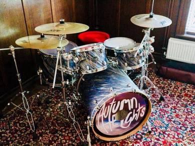 Mapex Saturn drum kit + Sabian AAX X-plosion cymba
