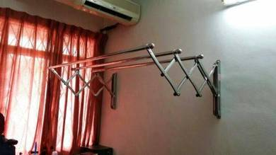 AMPAIAN LIPAT-retractable clothes hanger
