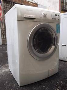 Electrolux 7kg washer dryer 2 in 1 combo machince