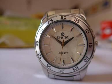 Swiston Quartz Round Wave-Patterned Watch