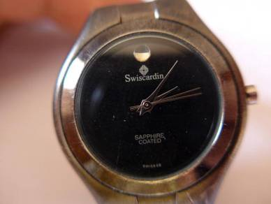 Swiscardin Quartz Round Black Dial Watch
