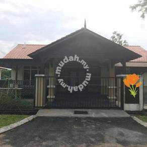 Renovated bungalow for sale beranang can nego