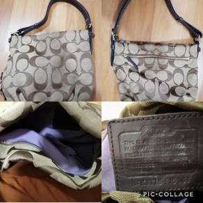 Handbag coach / coach / guess