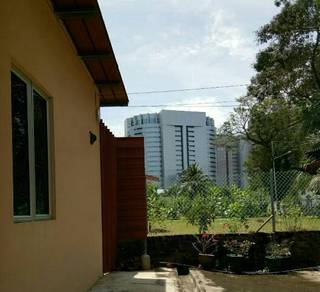 Large Master Bedroom near to Labuan Financial Park
