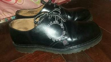 Dr martens with tag underground