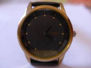 Omax Quartz Round Dark Dial Watch