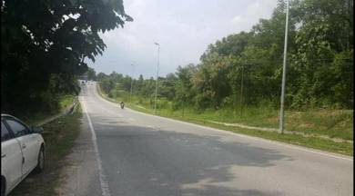 Piece of land 12.39 acre Sungai Merab - Dengkil FREEHOLD open!