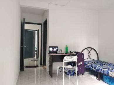 BILIK LELAKI ~near Bangsar South /KL SENTRAL / University Malaya/ PPUM