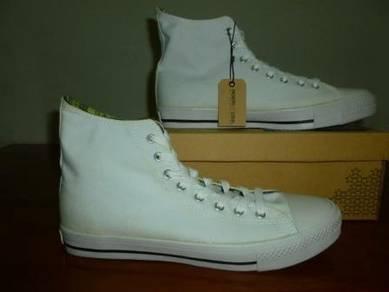Kasut North Star size 9 White Color
