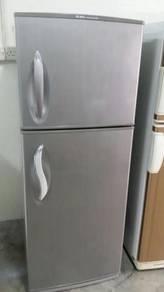 2 Pintu Refrigerator Sejuk Freezer Ice Peti Fridge