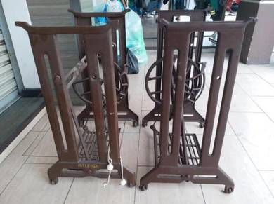 Sewing Machine Stand Singer Table Iron levis cola