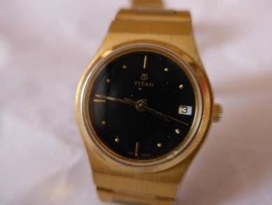 Titan Quartz Small Round Black Dial Gold Watch