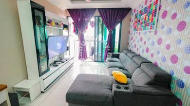 Kl Traders Square 4 rooms FULLY FURNISHED 2 car park 1059sqft