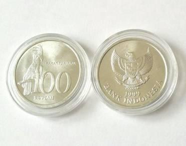 Indonesia 1999 100 rp cocktatoo bird aluminium unc