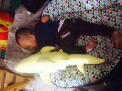 Patung Baby Shark Doo Bantal Peluk Lembut Softoy