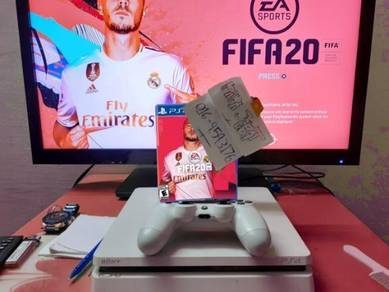 Ps4 slim Gracie white with waranty dan 4games