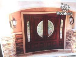 Wooden grand door