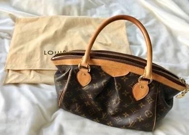 Louis vuttion tivoli handbags