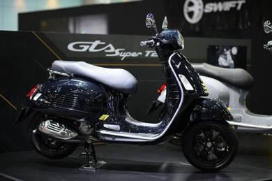 READY STOCK : Vespa GTS300 Supertech HPE (BLACK)