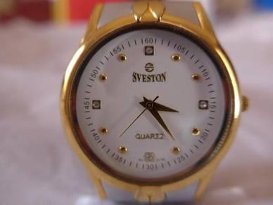 Sveston Quartz Round White Dial Watch