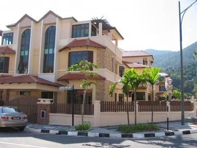 Ferringhi Park Residence - Semi-detached, large Corner unit for Sale!