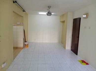 Bayu Apartment Ground Floor Damansara Damai Petaling Jaya For Rent