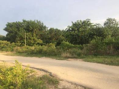 Road Side Land With Ready Bird Nest House in Lukut Town PD Seremban