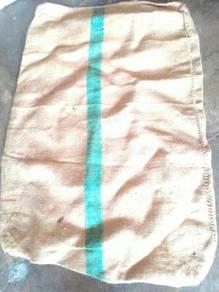 Guni kain dan guni plastik untuk sukaneka AA