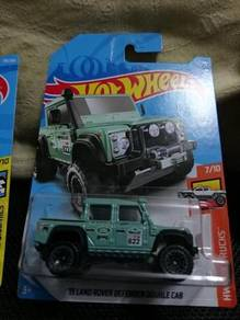 Hotwheels '15 Land Rover Defender Double Cab green