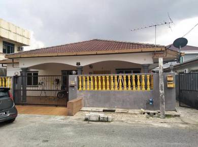 Selayang baru land with bungalow house. great potential for luxury hse