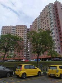 NEAR SCHOOL CHEAP Apartment Desaminium Chempaka Seri Kembangan Pasar B