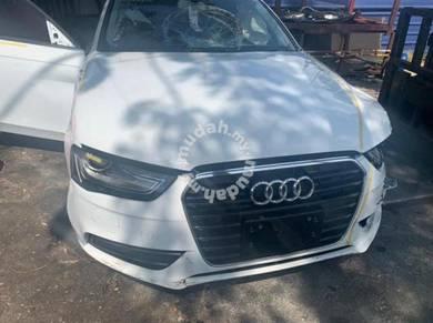 Audi A4 half cut /engine /gear box