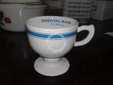 Cawan antik antique Oriental Bank mug cup