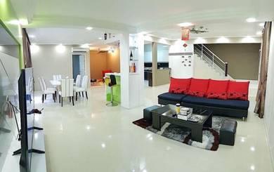 Taman Bukit Indah 2 Storey Corner House / Fully Renovated