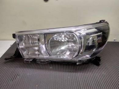 Toyota Hilux Rocco Gun125 Head Lamp