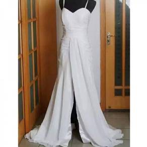 White chiffon wedding gown photoshoot dress