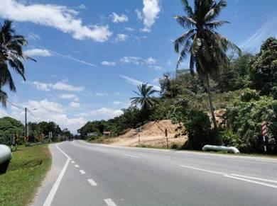 Tanah 1ekar Zon Perumahan NON BUMI tepi main road Dengkil Kajang
