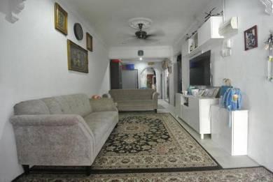 Endlot & Renovated | 1sty Terrace at Taman Kinrara, Seksyen 2