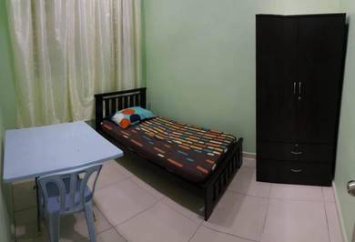 Ayer Keroh Medium Room